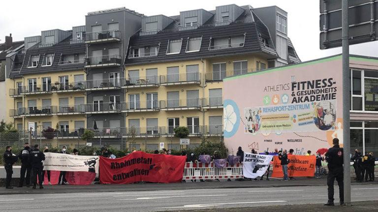"""Zweite Blockadewelle von """"Rheinmetall Entwaffnen"""" in Kassel"""