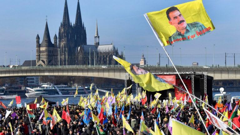 Kürtler Almanya'da sokağa çıkıyor